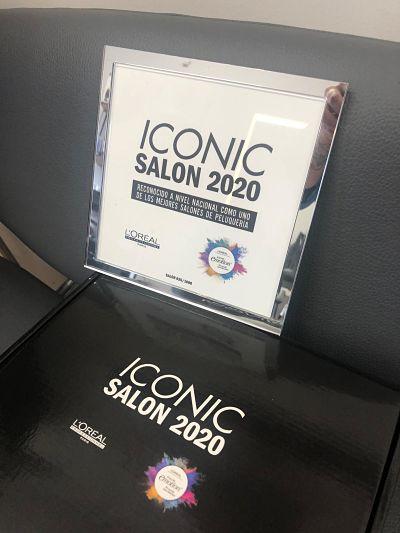 Placa salón iconico Loreal 2020 con marco placa